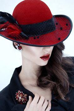 c-a-n-d-y—k-i-s-s-e-s:  CANDY KISSES: Beauty history - Make-up Trendy Magazine