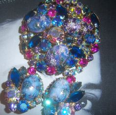 D Juliana Lavender Blue Stippled Cabochon Easter Egg Brooch and Earring Demi Parure
