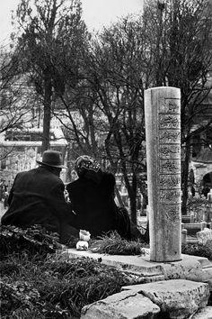 Eyüp Sultan, 1959 F: Ara Güler #Eyüp #AraGüler #istanbul