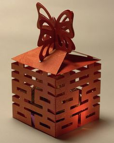 Chinese Wedding Favor Box, http://hative.com/traditional-chinese-wedding-ideas/