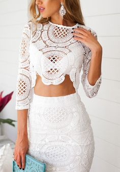 Model in lace 3/4 sleeve crop top