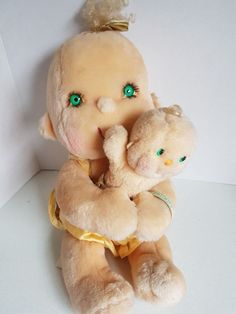 Vtg Huggabunch Full Sized Stuffed Plush Toy with Baby Patooty Kenner 1985 Antique Toys, Vintage Antiques, Sale On, 1980s, Plush, Teddy Bear, Christmas Ornaments, Holiday Decor, Baby
