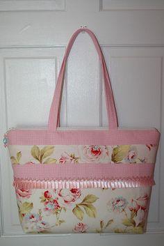 pink laptop tote