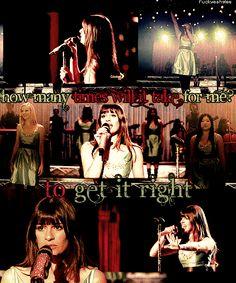 """Rachel qui chante une chanson qui lui a donné du courage puisque qu'elle s'intitule en français """" Y arriver"""". Parfois, on a l'impression qu''on porte le monde sur nos épaules et qu'il n'y a que des malheurs qui nous arrivent, cette chanson parle de cela."""