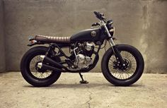Awesome Yamaha Scorpio 225 Brat Style by MalaMadre Motorcycles to enjoy the… Brat Bike, Scrambler Motorcycle, Motorcycle Style, Yamaha Motorbikes, Yamaha Motorcycles, Street Tracker, Chopper, Honda Tiger, Bike Design