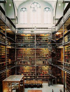 #top 12 bibliotecas   1.Rijksmuseum Reading Room - Amsterdã, Holanda. A maior biblioteca pública da Holanda, inaugurada em 1800.
