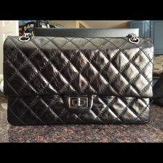 1c3dc7384b131f Aged calfskin 2.55 reissue 226 flap metallic black 100% authentic! Very  good condition!