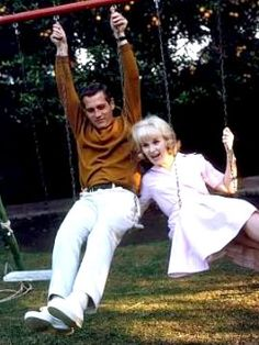 Swinging couple Paul Newman and Joanne Woodward in 1965