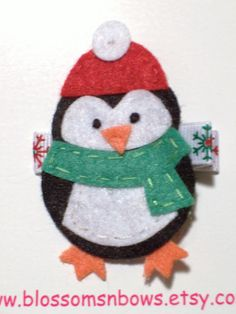 Ideas for my sweater Christmas Bazaar Crafts, Christmas Craft Fair, Handmade Christmas Decorations, Christmas Ornaments To Make, Felt Ornaments, Christmas Projects, All Things Christmas, Holiday Crafts, Felt Snowman