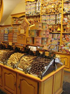 sweet shop, reminds of my grandparents sweet shop in London, early '60's, great memory