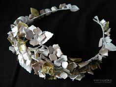 Corona CELIA. Corona / tiara de flores y semillas por thisisluciac