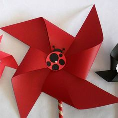 Items similar to Ladybug Favors Paper Pinwheels Baby Shower Favors Birthday Party Favors Ladybug Party Decoration Table Centerpiece Lady bugs Ladybugs on Etsy Owl Birthday Parties, 1st Birthday Girls, Birthday Party Favors, Ladybug Crafts, Ladybug Party, Ladybug Cupcakes, Baby Shower Favors, Baby Shower Themes, Ladybug 1st Birthdays