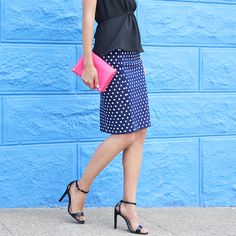 A black & blue color combo is effortlessly chic. Test drive this former fashion faux pas with a printed navy piece instead of solid. #StylistTip