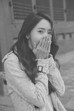 Heading back home. This is me now. not feeling cold but yawning 😪😂 Goodnight~ one more sleep to Friday. Back Home, Im Yoon Ah, Kwon Yuri, Yoona Snsd, Girl Photo Poses, Korean Celebrities, Ulzzang Girl, Girls Generation, Korean Girl Groups