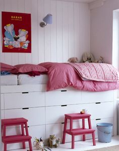 http://anordinarywoman.net/2014/08/26/bed-with-storage/