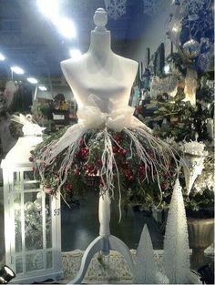 Holiday Mannequin 7 ways Florists use Mannequins for Xmas Decor Mannequin Christmas Tree, Dress Form Christmas Tree, Holiday Tree, Xmas Tree, Christmas And New Year, Vintage Christmas, Christmas Holidays, Christmas Wreaths, Christmas Crafts