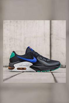 Legendäres #AirMax Design! Inspiriert vom Air Max 90 kommt dieser nice Sneaker mit verlängerten Designlinien und verzerrten Proportionen. Die Air Max-Einheit im Fersenbereich sorgt für geniale Dämpfung. Hol Dir diesen #Klassiker im neuen Design und zeig Deine #AirMaxLove mit Deinen neuen Sneakern.   Shop: SC24.com   ArtNr: 81201 #Nike #NikeAir #AirMaxExcee #Sportstyle #Sneaker