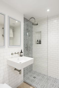 Amazing Small Bathroom Makeover Ideas 49 most popular master bathroom remodel tile ideas 12 bathroom Bathroom Renos, Bathroom Flooring, Remodel Bathroom, Small Shower Remodel, Small Bathroom Renovations, Tub Remodel, Tiny Bathrooms, Tiny House Bathroom, Bathroom Makeovers