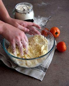 Italské slané minikoláčky s vůní léta | KořeníŽivota.cz Dairy, Ice Cream, Cheese, Desserts, Food, Sherbet Ice Cream, Meal, Deserts, Essen