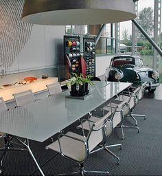 PON PORSCHE | Locatie: Amersfoort | Inrichting: Kantoorinrichting | Ontwerper: Qua Associates / Team PVO Interieur | Omschrijving: Kantoorinrichting.