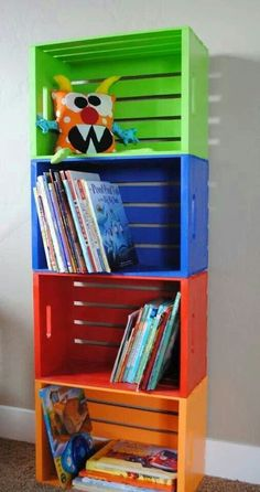 hacer una estantería infantil barata y original Wooden crates from Michael's, and painted to make book shelves, or toy storage. {Playroom Idea}Wooden crates from Michael's, and painted to make book shelves, or toy storage. Toy Rooms, Kids Rooms, Room Kids, Small Rooms, Toddler Boy Room Ideas, Little Boy Bedroom Ideas, Kids Church Rooms, Small Spaces, Little Boys Rooms