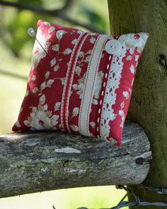 FREE SHIPPING:  Pin Cushion, Vintage Style, Ribbon, Lace, Red, Cream, Floral, Button by HeartmadeSouthAfrica on Etsy Vintage Style, Vintage Fashion, Pin Cushions, Ribbon, Throw Pillows, Free Shipping, Cream, Button, Trending Outfits