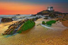 Capela do Senhor da Pedra, Miramar, Portugal https://www.facebook.com/144196109068278/photos/pb.144196109068278.-2207520000.1419025257./182291701925385/?type=3&theater