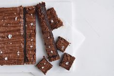 Brownie with leaven - sweet, sour and spongy - Cathrine Brandt Allrecipes, Chocolate Cake, Brownies, Cocoa, Food And Drink, Sweets, Candy, Snacks, Meat
