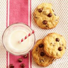 Chocolate+Chip+Walnut+Cookies from Crisco®