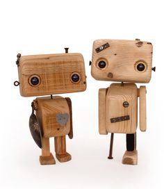 Robot en bois recyclé le rafistolé