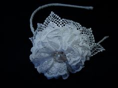Tiara Flor renda Branca