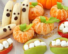 Kitchen Simmer: Kids in the Kitchen: Halloween Fruit Treats Halloween Fruit, Healthy Halloween Treats, Healthy Meals For Kids, Kids Meals, Holiday Fun, Apple And Peanut Butter, Fruits For Kids, Harvest Party, Fiesta Party