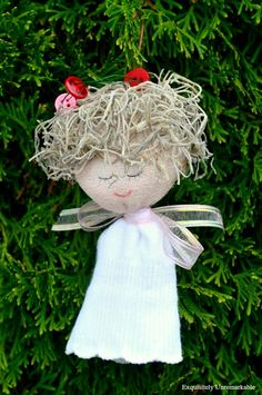 How to make a sock angel ornament for your Christmas tree. Super easy.
