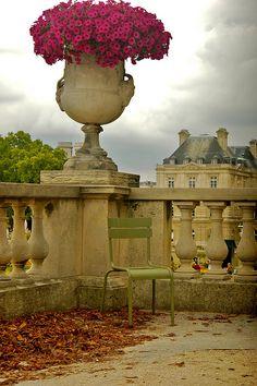 Quiet Corner - Jardin du Luxembourg Paris, France