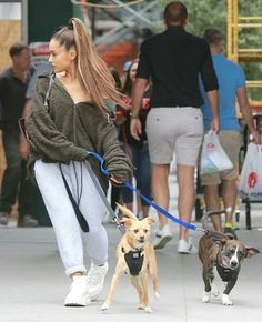 Ariana Grande Outfits Casual, Lazy Outfits, Winter Outfits, Casual Outfits, Cute Outfits, Ariana Grande 2018, Ariana Grande Fotos, Ariana Grande Pictures, Superstar