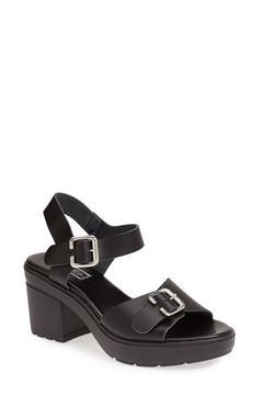 Pairing these Topshop platform leather sandals with a cute shift dress.