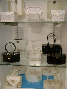 JACKPOT! GORGEOUS Lucite Purses! Shop in NYC.