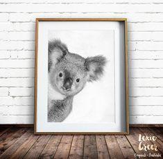Koala print Nursery Wall Art Koala Art by LexieGreerPrintables Koala Nursery, Nursery Wall Art, Nursery Decor, Koala Craft, Australian Animals, Nursery Inspiration, Pet Portraits, Baby Animals, Decoration