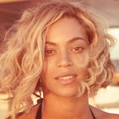 Beyonce curly bob