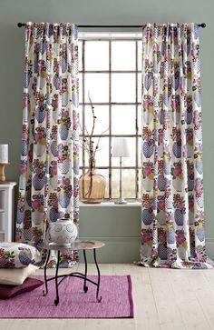 Zasłony z pięknym nadrukiem w kwiaty. 149 zł na http://www.halens.pl/dom-6450/zasony-ze-szlufkami-multipack-502525