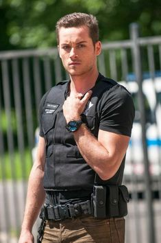 Chicago Pd Halstead, Nbc Chicago Pd, Jay Halstead, Chicago Shows, Chicago Med, Chicago Fire, Chicago Movie, Chicago Police Department, Crime