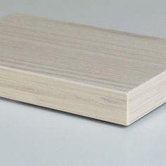 厚物木口材 MARBRET S の板貼りサンプルです表面材はAICA工業様のJC676木口材はパネフリ工業のマーブレットSMW40-5791Qです自然な仕上がりになっているでしょうかパネフリ工業の木口材は表面材に合わせてカラーや木目エンボスなど様々なお客様ごとの特注エッジが製作可能です表面材をご指定頂ければ既存のものからおすすめさせて頂くことも可能ですのでお気軽にお問い合わせ下さい #Industrial #industrialdesign #edgeband #photooftheday #interior #diy #table #design #plastics #productdesign #woodgrain #furniture #architecture #archilovers #edgebanding #kyoto #tokyo #japan #カウンター #家具 #インテリア  #デザイン #内装 #建築 #カタログ無料 #カットサンプル無料 #アイカ工業 #AICA #panefri #パネフリ工業 http://ift.tt/2t1C6uK