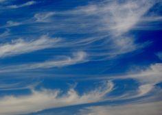 Cirrus uncinus clouds.