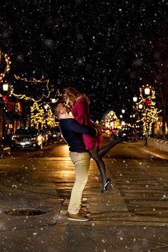 Useful Wedding Event Planning Tips That Stand The Test Of Time Winter Proposal, Christmas Proposal, Christmas Engagement, Winter Engagement, Wedding Couple Poses, Couple Posing, Wedding Couples, The Knot, Proposal Pictures