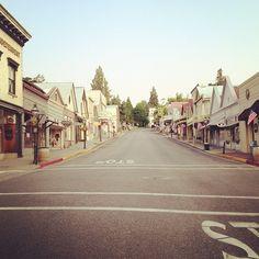 Broad Street, Nevada City, California, photo by Erin Thiem/Outside Inn
