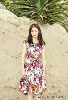 Gong Seung Yeon is the latest starlet to endorse the fashion brand Plastic Island for their 2016 summer collection. The lovely model/actress showed off her good looks while showing off lifestyle photo set. Asian Actors, Korean Actresses, Actors & Actresses, Gong Seung Yeon, Dramas, Fashion Brand, Womens Fashion, Korean Entertainment, Summer Collection