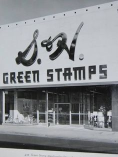 S&H Green Stamps I !loved going to the Green Stamp store with grandma and all our books of stamps. So many items to choose from. Vintage Advertisements, Vintage Ads, Vintage Photos, My Childhood Memories, Great Memories, Detroit, Michigan, Ol Days, Do You Remember