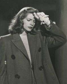 Lauren Bacall in Confidential Agent - 1945 Viejo Hollywood, Hollywood Icons, Vintage Hollywood, Hollywood Glamour, Classic Hollywood, Lauren Bacall, Laura Lee, Bogie And Bacall, Humphrey Bogart