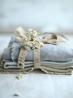 Find images and videos about shabby chic on We Heart It - the app to get lost in what you love. Anne Of Green Gables, Textiles, Blue Cream, Blue And White, What A Nice Day, Vintage Accessoires, Vibeke Design, Linens And Lace, French Blue