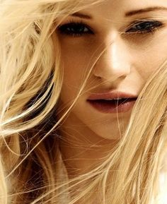 Find images and videos about blonde and Emilie de Ravin on We Heart It - the app to get lost in what you love. Emilie De Ravin, Pretty People, Beautiful People, Beautiful Women, Belle French, Female Character Inspiration, Beauty And Fashion, Coral, Damaged Hair